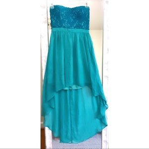 NWOT. STRAPLESS HIGH-LOW DRESS
